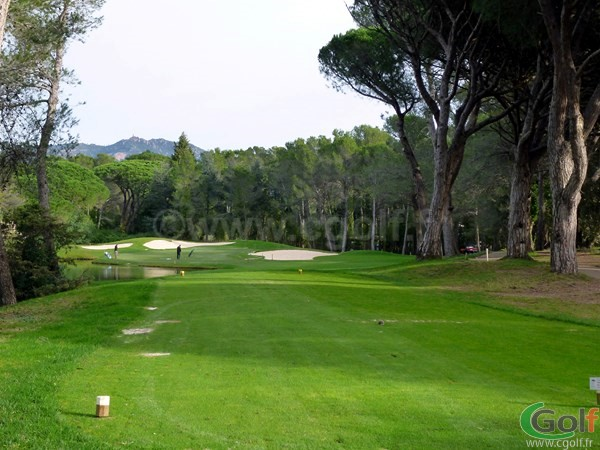 Par 3 n°2 du golf Blue Green Esterel à Saint Raphael dans le var en région PACA