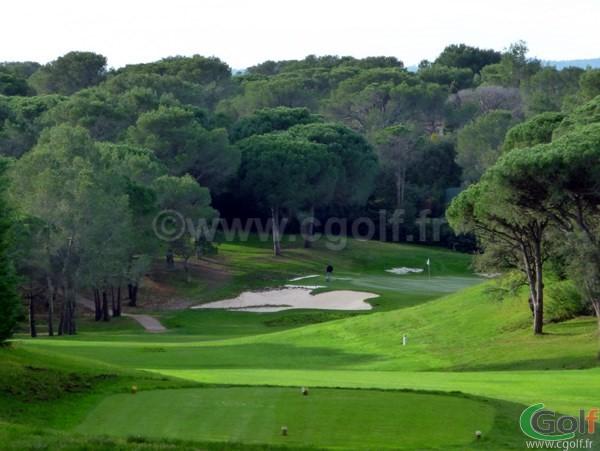Trou n°15 du Blue Green Esterel Golf Club dans le Var sur la Cote d'Azur à Saint Raphael