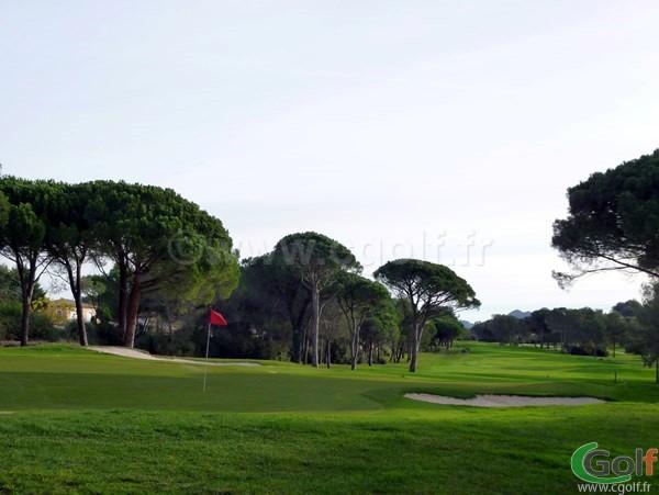 Le Green du n°18 au Blue Green Esterel Golf Club sur la Cote d'Azur dans le Var à Saint Raphael