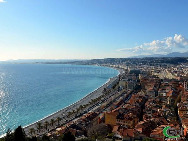 La Baie de Nice proche des golfs d'exception de la Cote d'Azuren PACA