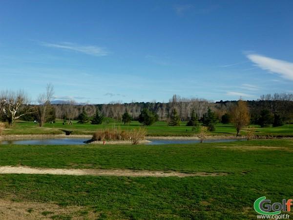 Une vue générale du Garden golf Avignon à Morières les Avignon dans le Vaucluse