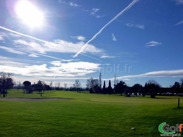 Le green n°18 du Garden golf Avignon à Morières les Avignon sur le parcours les Alpilles