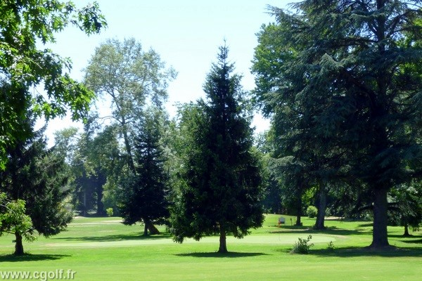 Green n°9 du golf de Mionnay dans l'Ain en Rhône Alpes proche de Lyon