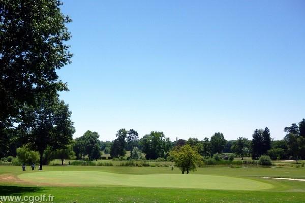 Green n°18 du golf de Mionnay dans la Dombes proche de Lyon en Rhône alpes dans l'Ain