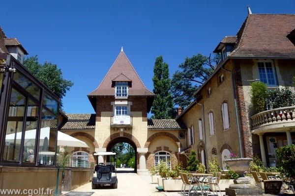 Entrée du Garden golf de Mionnay dans la Dombes proche de Lyon dans l'Ain