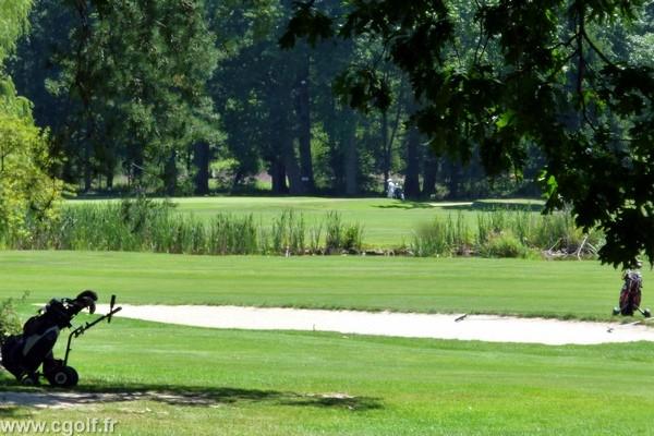 Fairways du garden golf de Mionnay proche de Lyon dans la Dombes en Rhône Alpes dans l'Ain