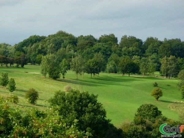 Fairway n°5 du golf d'Abbeville à Grand-Laviers dans la Somme en Picardie proche d'Amiens