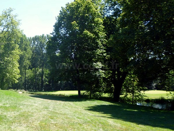 Green n°1 du golf d'Albon Senaud proche d'Annonay en Rhône alpes entre Vienne et Valence