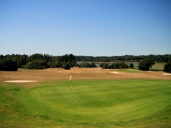 Green n°9 du golf de Baden entre Vannes et Quiberon dans le Morbihan en Bretagne