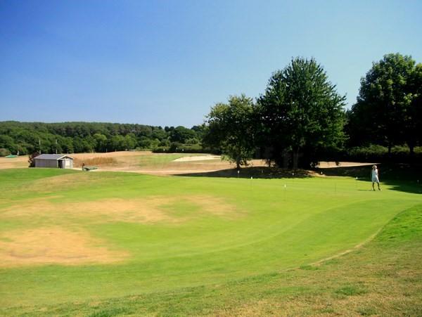 Putting green du golf de Baden dans le Morbihan en Bretagne proche de Quiberon