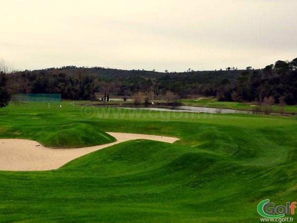 Le green n°18 du golf de Brignoles Barbaroux dans le Var sur la Cote d'Azur
