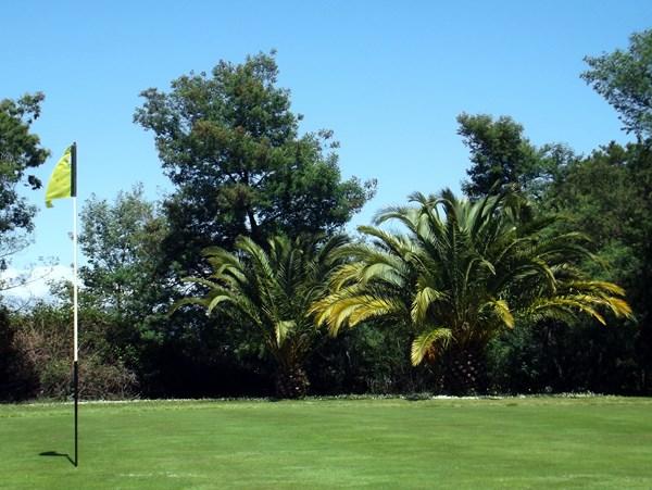 Green en Corse sur le golf de la Base Aerienne de Solenzara à Ventiseri