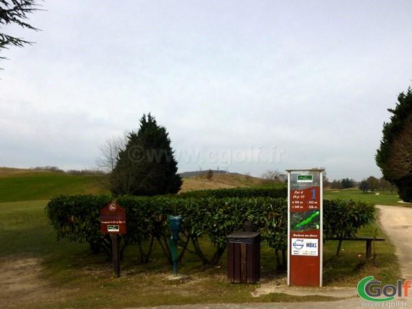 Départ n°1 du golf de la base loisirs de Saint Quentin en Yvelines proche de Paris à Trappes