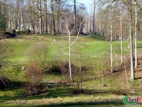 Fairway n°1 du golf de Bethemont à Poissy dans les Yvelines proche de Paris