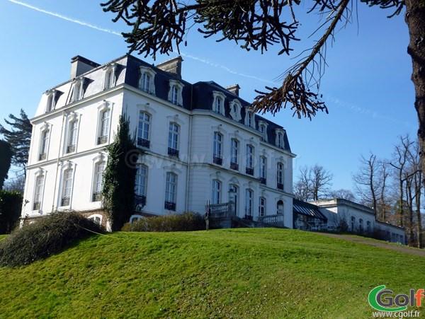 Le chateau club house du golf de Bethemont à Poissy dans les Yvelines proche de Paris