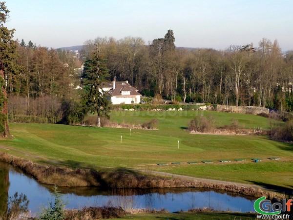 Le practice du golf de Bethemont proche de Paris à Poissy dans les Yvelines