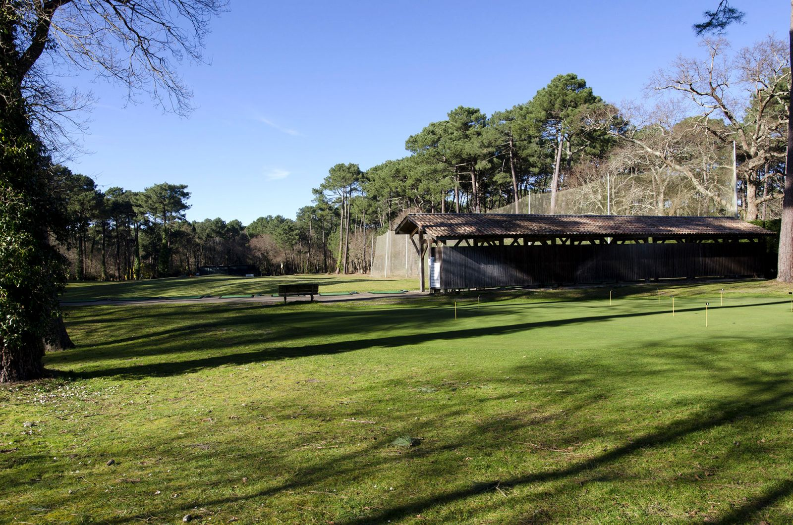 Practice du golf de Biscarrosse dans les Landes en Aquitaine