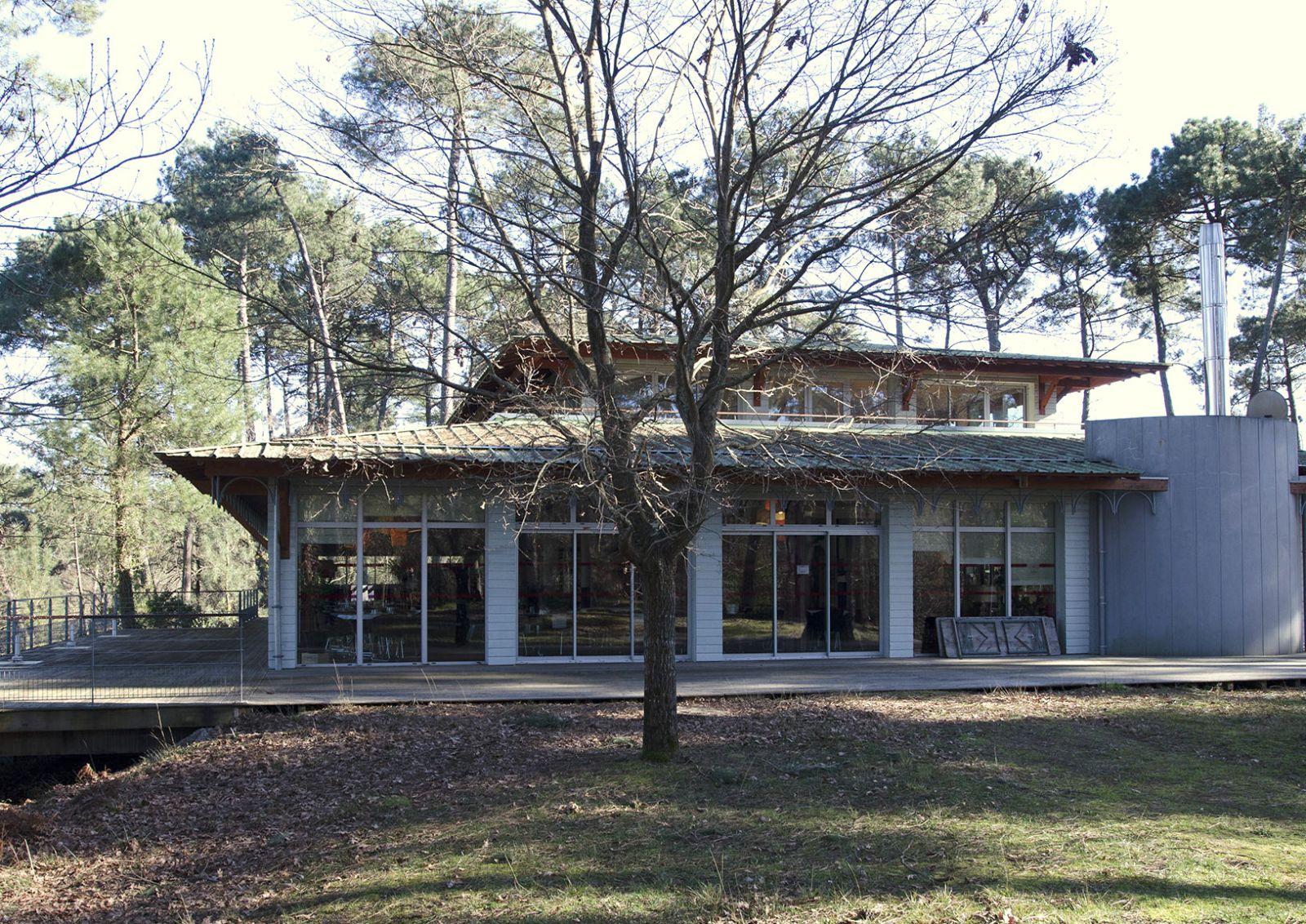 Club house du golf de Biscarrosse dans les Landes en Aquitaine