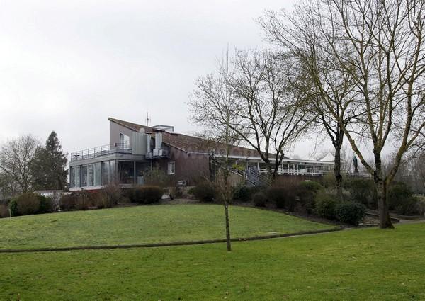 Club house du gof de Bordeaux Lac en Aquitaine dna la Gironde