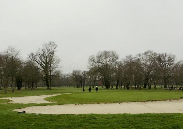 Green n°18 du golf de Bordeaux La parcours Les Etangs en Gironde dans l'Aquitaine