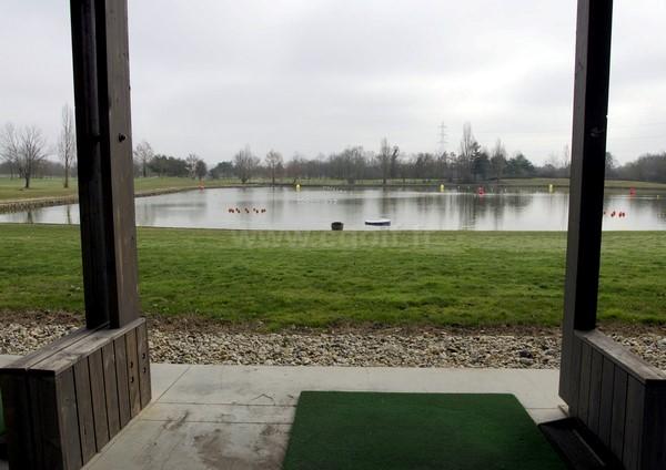 Practice du golf de Bordeaux Lac en Aquitaine département de la Gironde