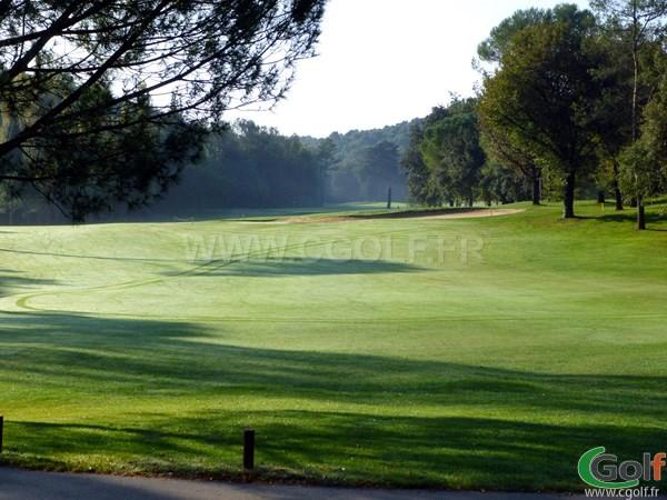 Départ du trou n°17 du golf country club de Cannes Mougins dans le département 06