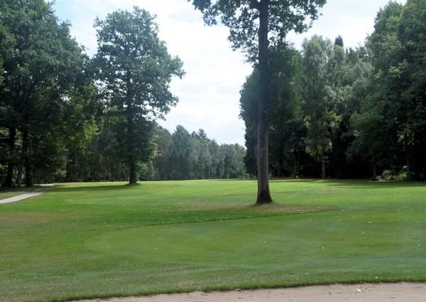 Fairway n°18 du golf du Champ de Bataille Le Neubourg proche de Rouen en Normandie dans l'Eure