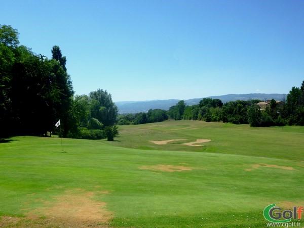 Green n°10 du golf des Chanalets en Rhône Alpes dans la Drôme à Bourg-lès-Valence