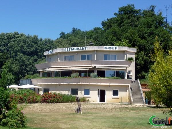Club house du golf des Chanalets dans la Drôme en Rhône Alpes à Bourg-lès-Valence