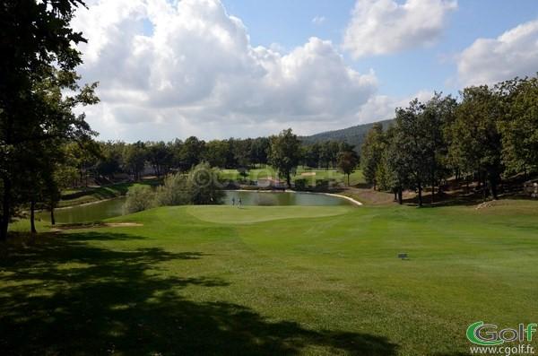 L'arrivée du trou n°16 du golf de Claux Amic à Grasse