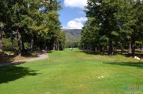 Le départ du trou n°17 du golf le Claux Amic à Grasse dans les Alpes Maritimes