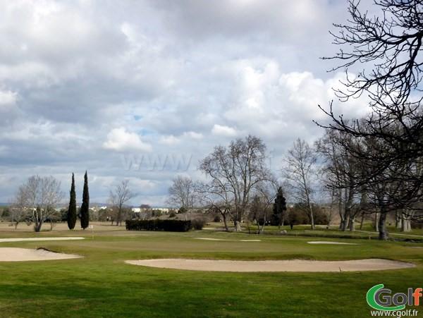 Le green n°18 du golf d'Aix Les Milles Marseille sur la Cote d'Azur dans les Bouches du Rhone