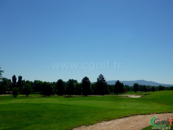 Green n°9 du Beaujolais golf club en Rhône-Alpes proche de Lyon à Lucenay