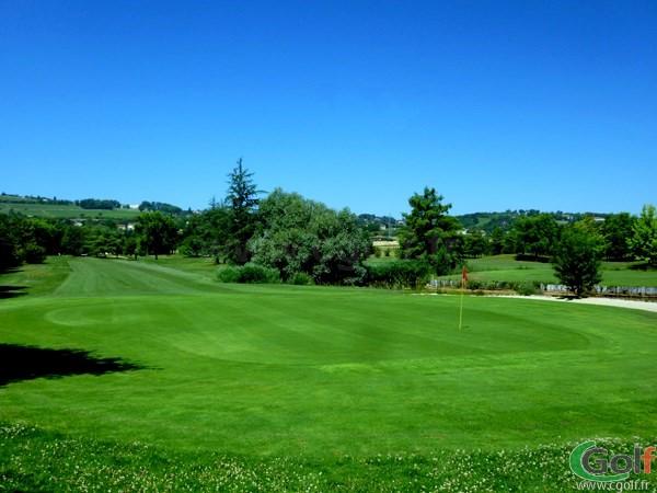 Magnifique trou du golf du Beaujolais en Rhône-Alpes proche de Lyon à Lucenay