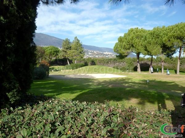 départ de trou du golf country club de Nice dans les Alpes Maritimes sur la Cote d'Azur