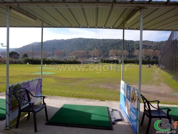 Practice du golf 9 trous compact country club de Nice sur la Cote d'Azur en PACA