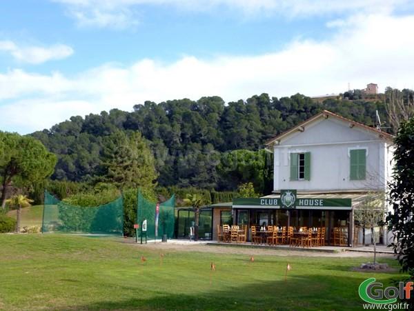 Le club house du Nice golf Country club dans les Alpes Maritimes en PACA
