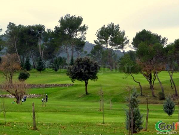 Une vue générale du golf de la Sainte Baume dans le Var à Nans les Pins en PACA