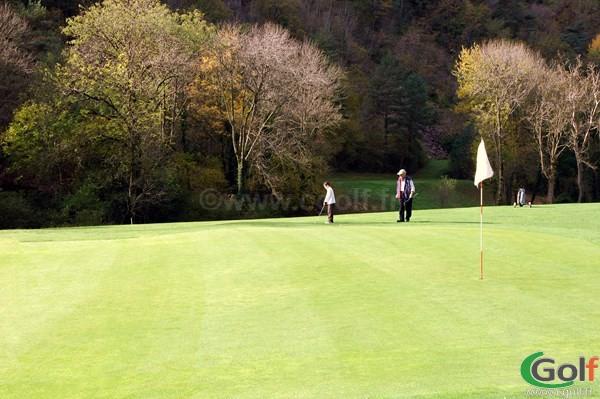 Green du golf des gorges du Tarn en Lozère à La Canourgue dans le Languedoc Roussillon