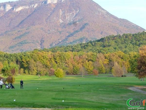 Départ n°10 du golf des Lavandes Digne les Bains dans les Alpes de Haute Provence en PACA