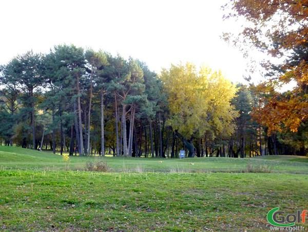 Départ n°18 du golf de Digne les Bains Parcours les Lavandes dans les Alpes de Haute Provence PACA