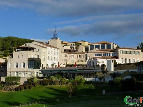 L'hotel, et le réstaurant du Dolce Frégate Provence golf club dans le Var à Saint Cyr sur Mer