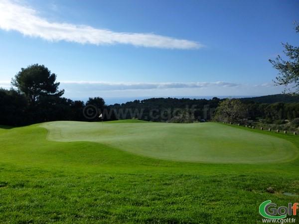 Le green n°15 du golf Dolce Fregate à Saint Cyr sur Mer en Provence dans le Var