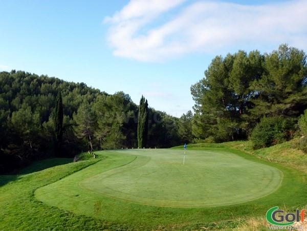 Le green n°17 du Dolce Frégate golf club en Provence dans le Var à Saint Cyr sur Mer