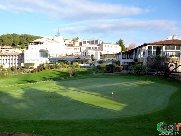 Le putting green du Dolce Frégate golf club à Saint Cyr sur Mer en Provence dans le Var