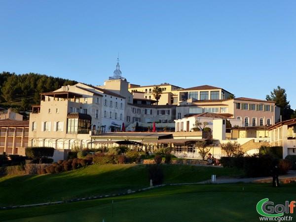 Le Club house restaurant hotel du Dolce Frégate golf Club à Saint Cyr sur Mer dans le Var