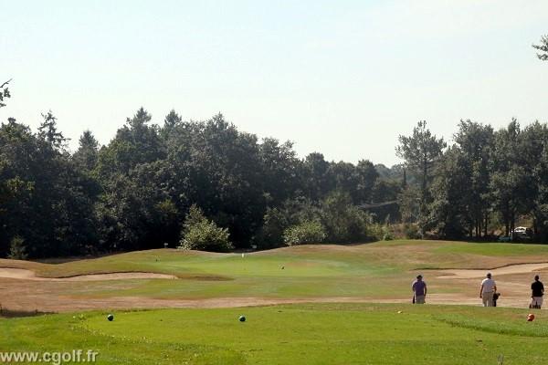 Trou n°1 du golf la Domangère en Vendée Pays de Loire à Nesmy