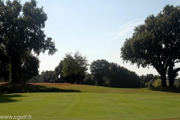 Green du golf la Domangère en Vendée proche de la Roche-sur-Yon en Vendée