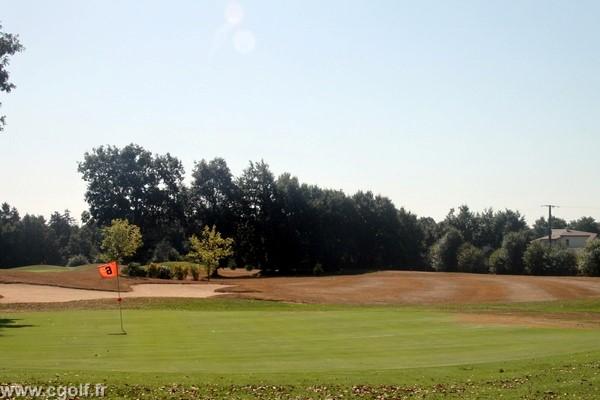 trou n°6 du golf compact la Domangère proche de la Roche-sur-Yon en Vendée