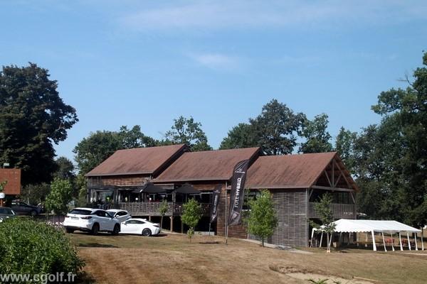 Club house du golf La Domangère en Vendée proche de la Roche-sur-Yon Pays de Loire